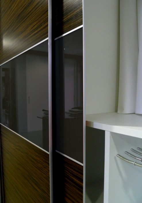 armario empotrado puertas corredera cebrano