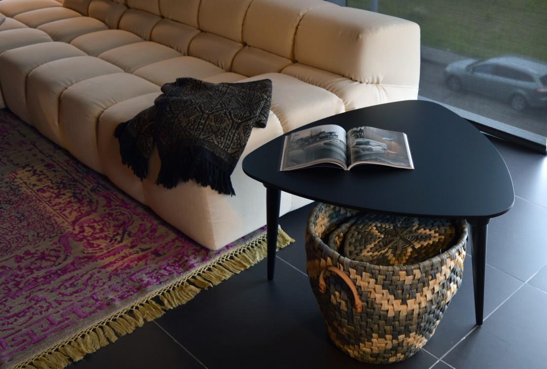 mesa púa color negro